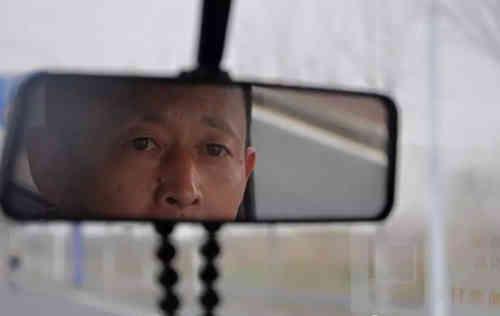 合肥新亚驾校彭家东教练速写